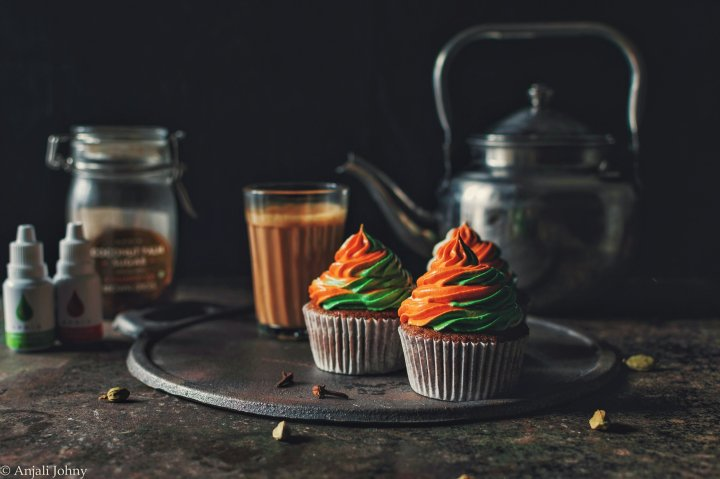 Chai Spiced Cupcakes with Tri-coloured frosting. (Independence Day Special!)
